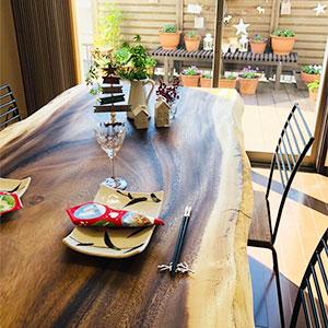 ダイニングテーブルと書斎